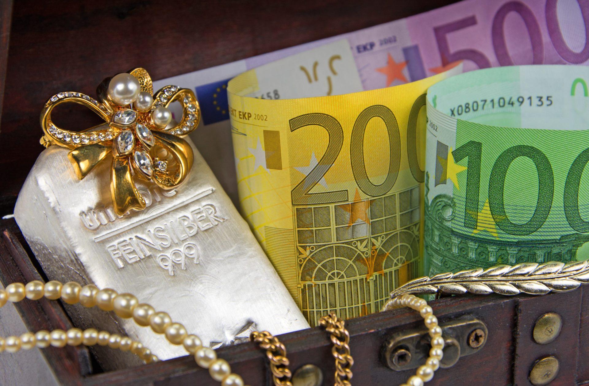 Schmuckankauf  – Für Privat- und Geschäftskunden_Gold_Schmuckankauf-–-Fuer-Privat-und-Geschaeftskunden_Schmuckankauf_Altgoldankauf_Zahngold-ankauf_Aurax-Edelmetallhandel-GmbH